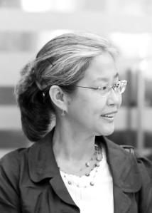 Helen Hwang headshot